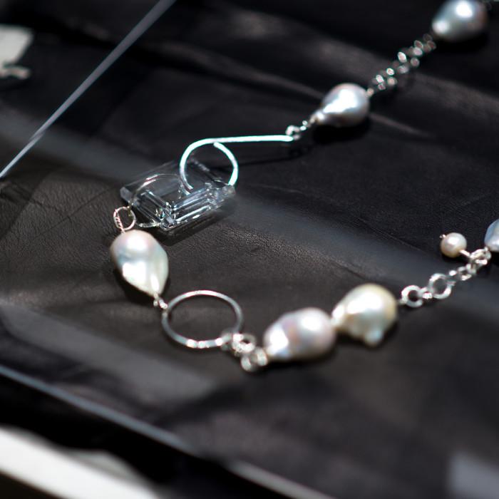 MIAIA GALLERY_DESIGNER - Aisen Chacin (Jewellery Series - detail 2)_PHOTO CREDIT - Marc Tan Photography